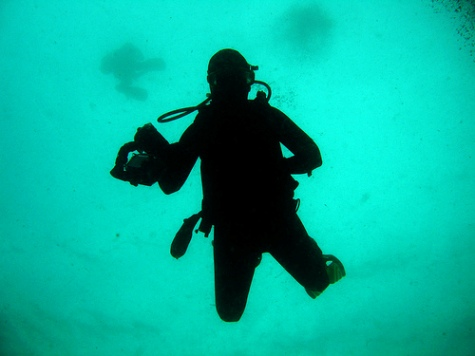 pictures of scuba divers-01