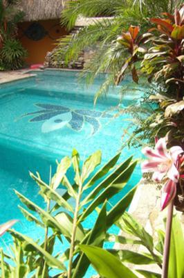 Roatan Honduras - Tranquilses Eco Lodge & Dive Center - The perfect island getaway!
