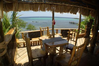 Roatan Honduras - Tranquilses Eco Lodge & Dive Center