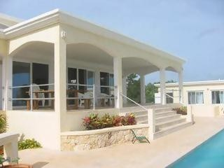 Shoal Bay East, Beachcourt Villa